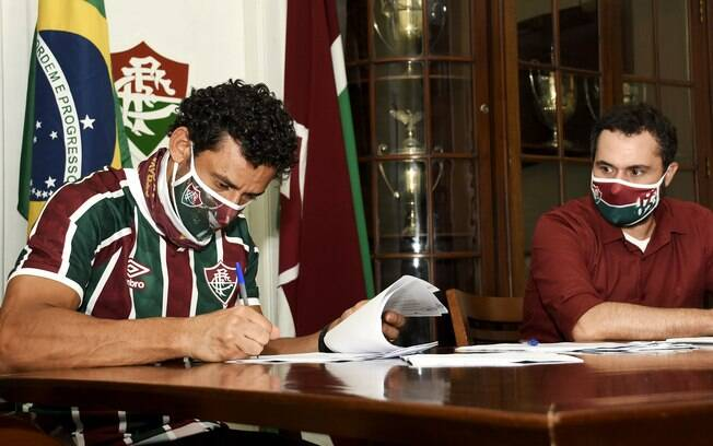 Fred assinou com o Fluminense