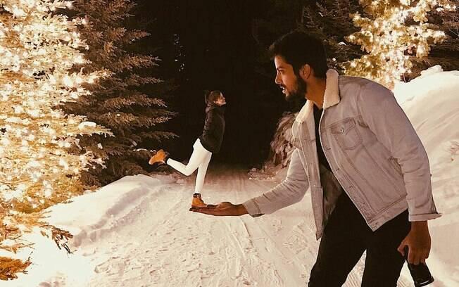 Rodrigo Simas e Agatha Moreira seguem grudados e viajam pela terceira vez juntos