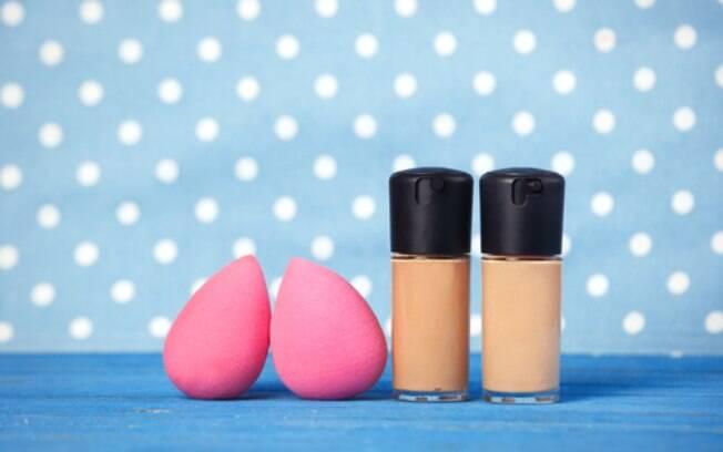 Existe um truque simples e rápido que pode te ajudar na hora de limpar sua esponja de maquiagem e está viralizando na web