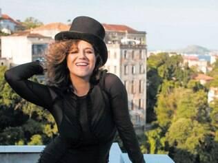 """Além da afinação. Todas as escolhas de """"Coração a Batucar"""" são da cantora, que, pela primeira vez, assina a produção de seu disco"""