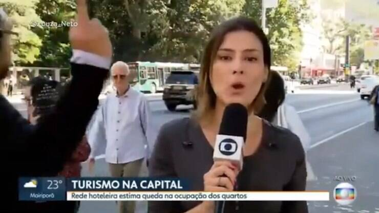 In the live broadcast, Globo reporter blames obscene gesture – TV