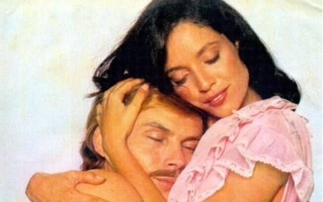 Sônia Braga como Dona Flor e José Wilker como Vadinho