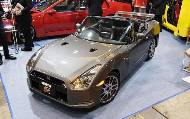 Imagine um Nissan GT-R pequeno, conversível, com apenas dois lugares e com motor 0.6 turbo. Este é o NATS GTK