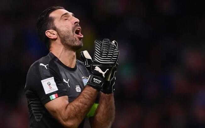 Buffon não participará da Copa de 2018 e Rakitic ofereceu a vaga dele devido ao enorme respeito que tem pelo goleiro