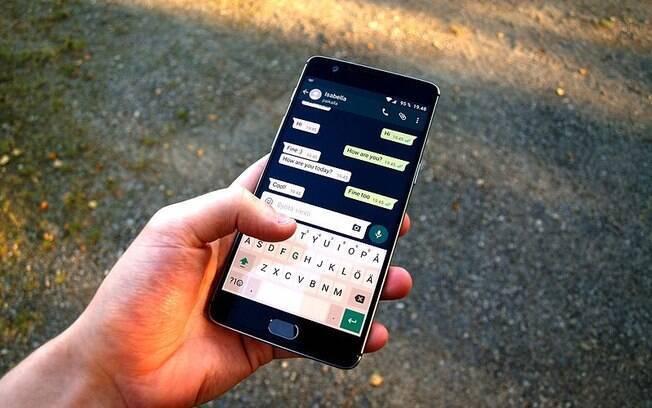 Nova atualização do WhatsApp possibilita envio de mensagens de grupos de forma privada