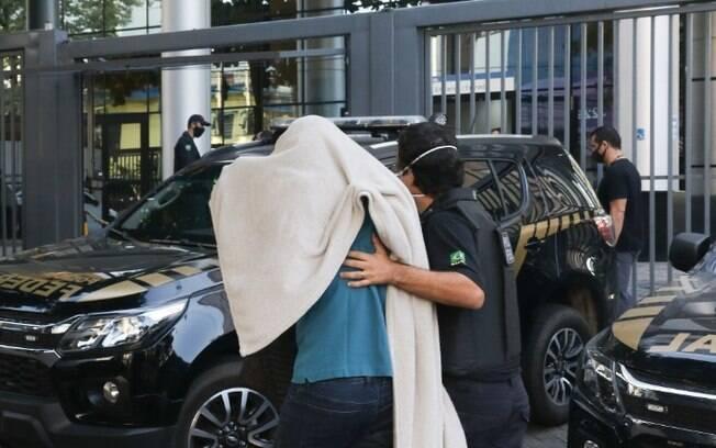 Black Flag: PF apreende mais 2 carros de luxo e prende investigado com CNH falsa
