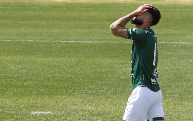 Guarani é derrotado pelo Vila Nova e fica fora do G-4