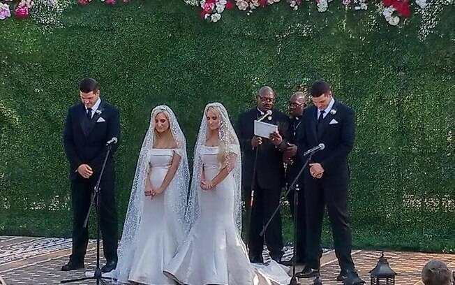 Os gêmeos idênticos se casaram no mesmo dia e, na cerimônia religiosa, até os celebrantes eram gêmeos