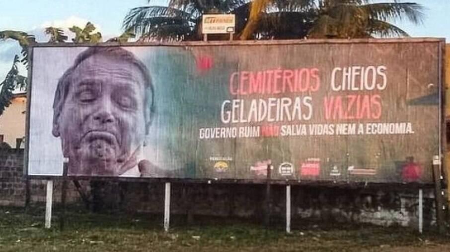 Outdoor contra Bolsonaro em Sinop - MT