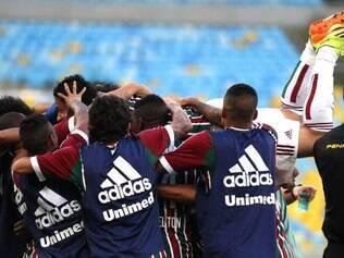 Além de marcar duas vezes, atacante Fred deixou o campo aplaudido de pé pela torcida no Maracanã