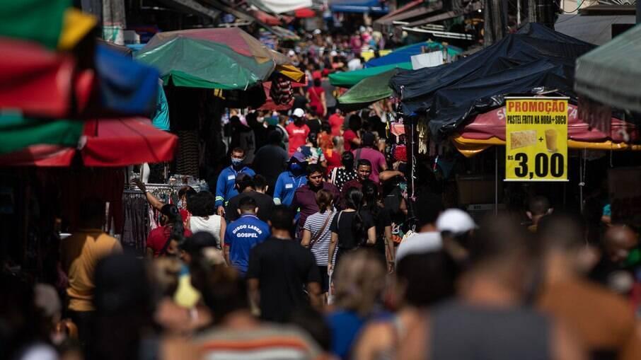 Região central de Manaus após reabertura do comércio