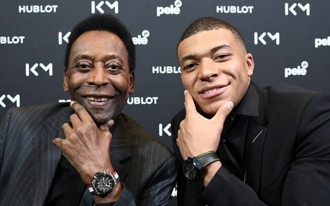 Pelé se encontrou com Mbappé na França e depois foi internado por conta de infecção urinária
