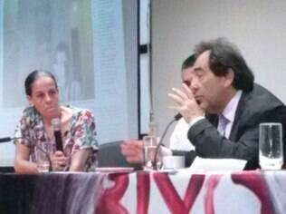 Professora Ana Lucia Pastore Scritzmeyer com deputado Adriano Diogo