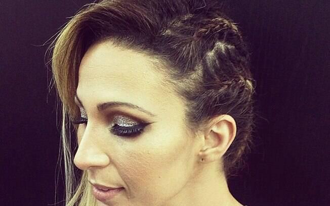 A funkeira Valesca Popozuda já adotou o penteado, pelas mãos habilidosas do cabeleireiro Thiago Fortes
