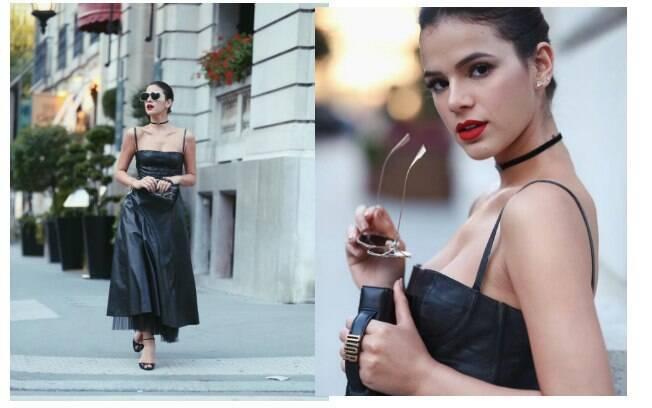 Looks de Marquezine chamaram atenção na Semana de Alta-Costura de Paris, começando por este do primeiro dia