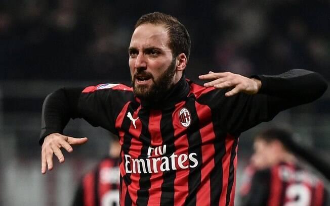 Gonzalo Higuaín foi emprestado ao Milan em julho de 2018, mas deve ir para o Chelsea até o fim da temporada