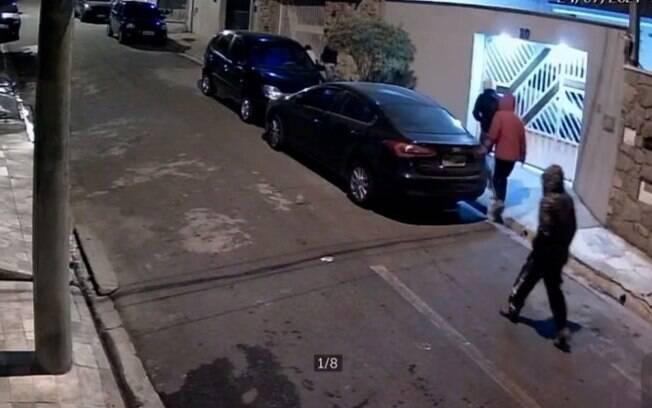 Câmeras flagram assalto na região do Ouro Verde, em Campinas