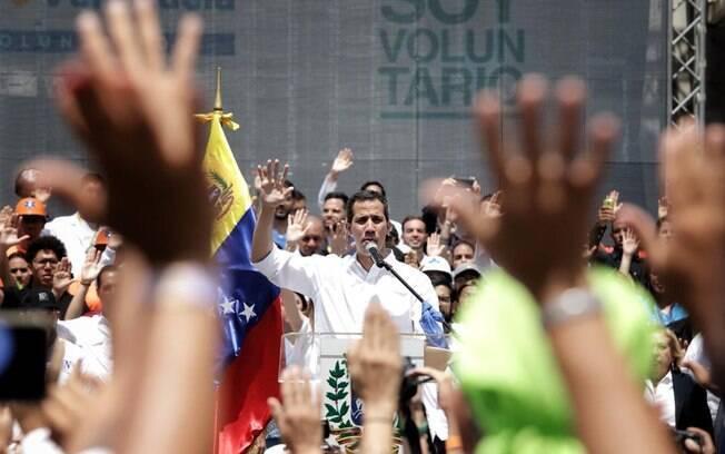 Autoproclamado presidente interino da Venezuela, Juan Guaidó perdeu os direitos políticos