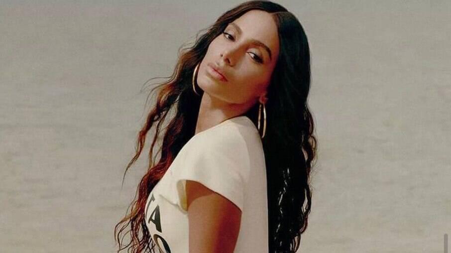 Anitta fala de plásticas feitas ao longo da carreira