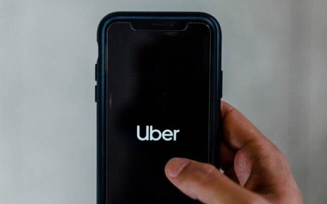 Uber e Uber Eats passam a aceitar Apple Pay no Brasil