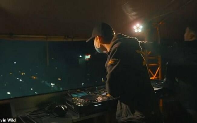 O DJ holandês Devin Wild, em ação