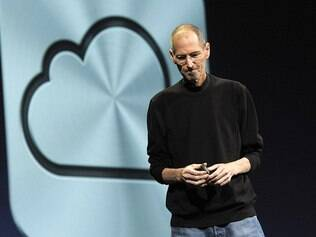 Jobs na apresentação do iCloud, serviço com funções similares ao Dropbox