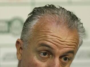 Treinador pede calma à torcida e diz que está fazendo de tudo para tirar o Palmeiras do rebaixamento