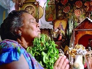 Parte do elenco, a atriz mineira Teuda Bara interpreta Mãe Benta