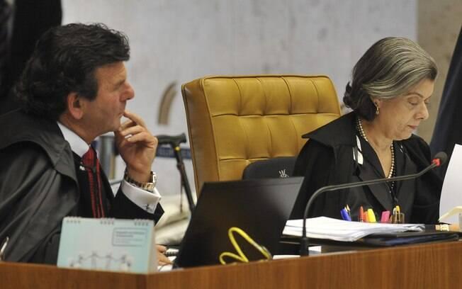 O ministro Luiz Fux, relator das ações que levaram a Lei da Ficha Limpa novamente à pauta do Supremo Tribunal Federal, ao lado da ministra Cármen Lúcia