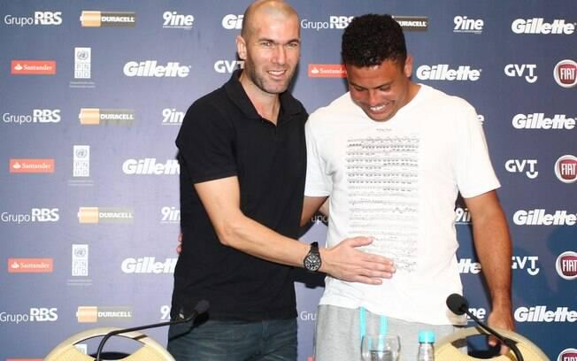 Zidane e Ronaldo falam em coletiva antes de  jogo beneficente