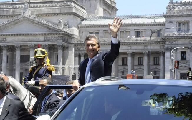 Mauricio Macri vem tentando reverter praticamente todas as políticas-chave dos Kirchner