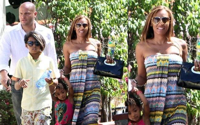 A Spice-Girl Mel B. com o marido Stephen Belafonte, e as filhas Phoenix Chi e Angel Iris, de relações anteriores