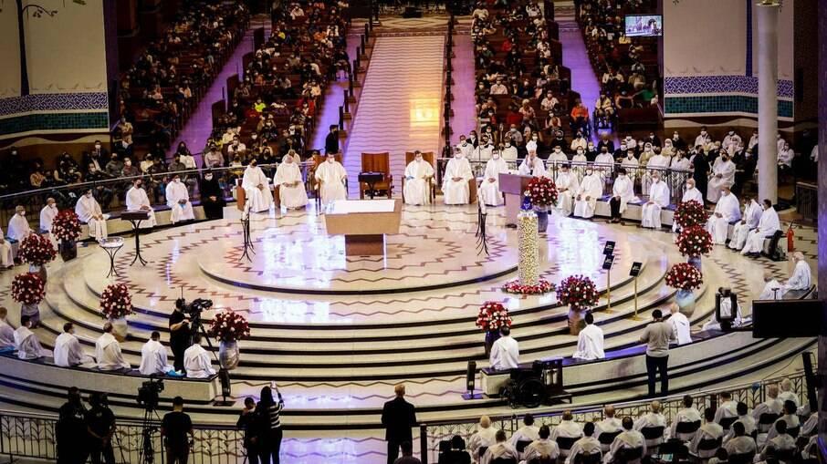 Celebração em comemoração ao Dia de Nossa Senhora Aparecida no Santuário Nacional