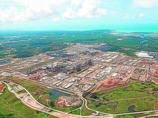 Crise. Construção da refinaria Abreu e Lima, da Petrobras, em Pernambuco, é alvo de investigações por superfaturamento e atrasos