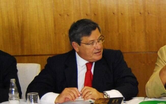 Benito Gama (PTB) afirma que governo teria apenas 136 dos mais de 500 votos da Casa legislativa