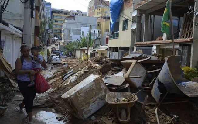 Polícia do Rio está cumprindo mandados de busca e apreensão na Muzema