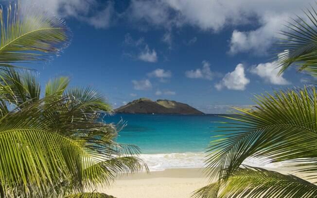 Belas praias de mar azul e areia branca do Caribe estão em Saint Barths