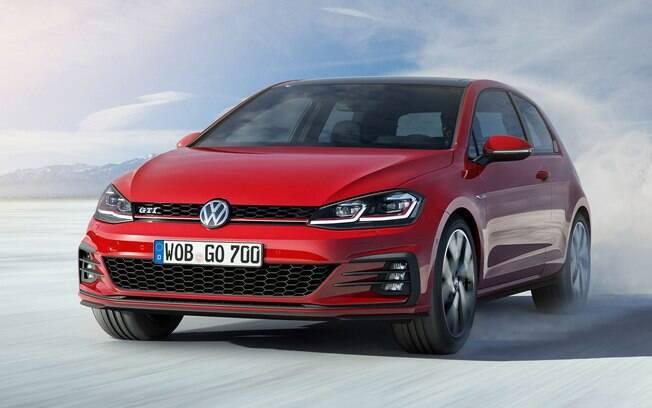 O Volkswagen Golf não vende nada no Brasil, mas é o segundo carro mais emplacado no mundo, com 443 mil unidades em seis meses