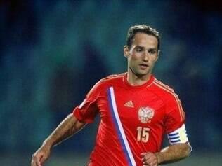 Uma lesão nas costas tirou o capitão Roman Shirokov da Copa
