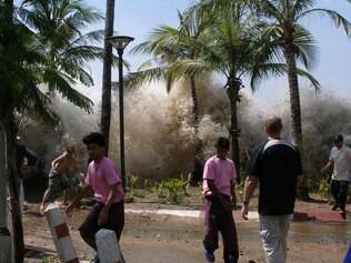 Tsunami de 2004 atingiu 14 países