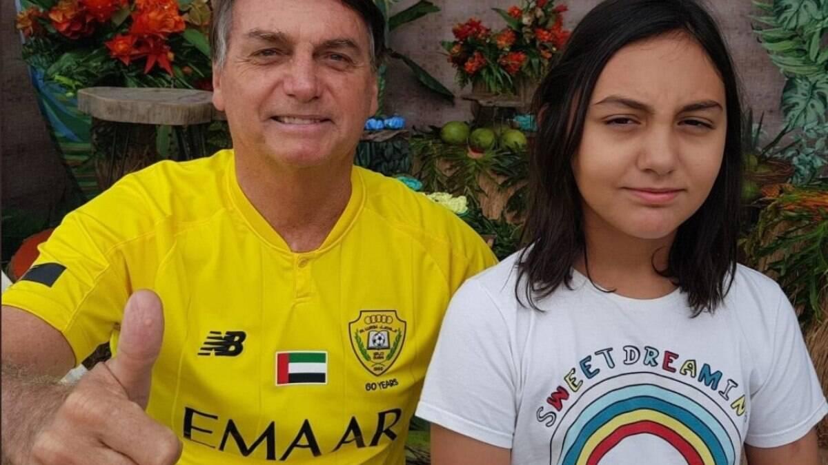 Filha de Bolsonaro entrará em colégio militar sem processo seletivo