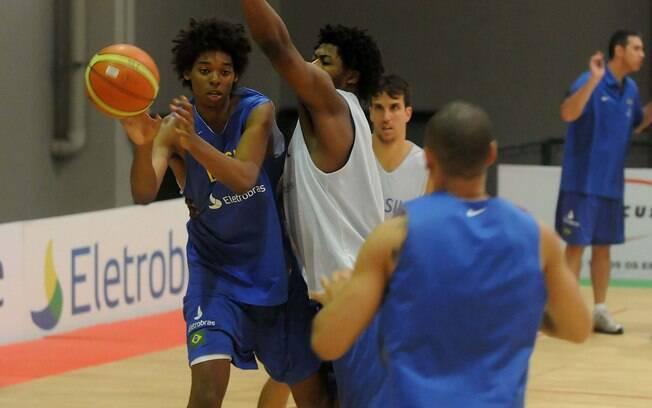 Em 2010, Lucas Bebê treinou com a seleção como convidado
