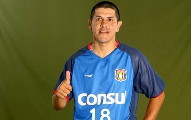 Adhemar é o maior artilheiro da história do São Caetano com 68 gols anotados