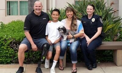Detetive que perdeu a perna adota cão que usa próteses, assim como ele