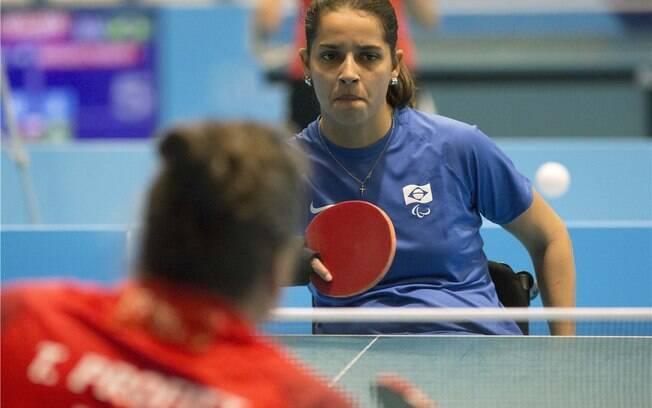 Cátia Oliveira estreia no Parapan com ouro