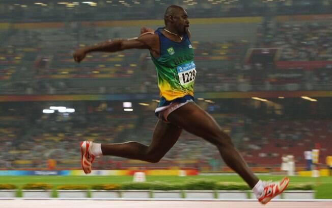 Jadel Gregório é atleta do salto triplo do Brasil e tentou vaga para as Olimpíadas de inverno de Sochi