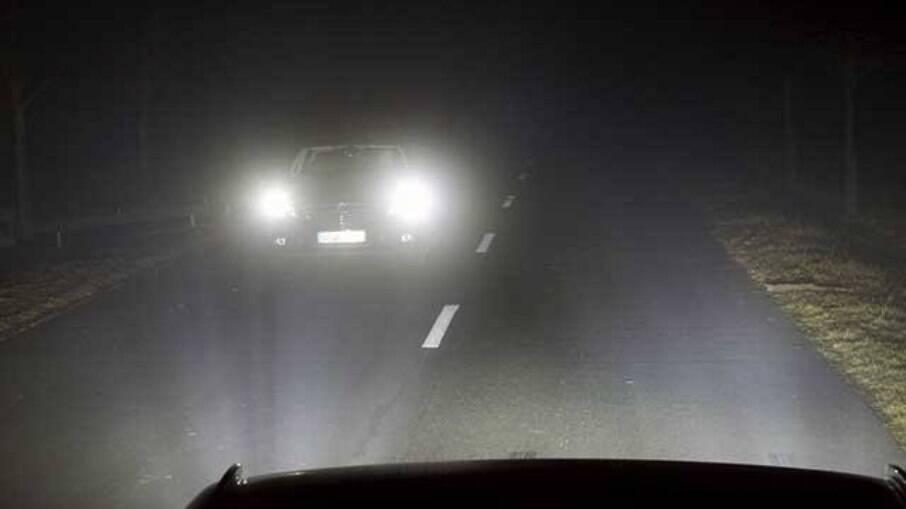 Avalie e verifique o funcionamento correto do conjunto óptico que ajudam na visibilidade do veículo, principalmente à noite