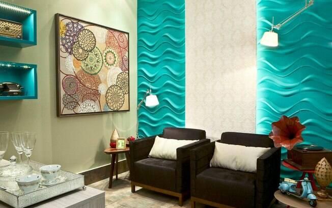 Sala Pequena Na Cor Azul ~  um revestimento em 3D Board (em ondas) na cor azul Foto Divulgação