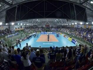 Jogadores do Sada Cruzeiro contam com presença da torcida na estreia do Mineiro