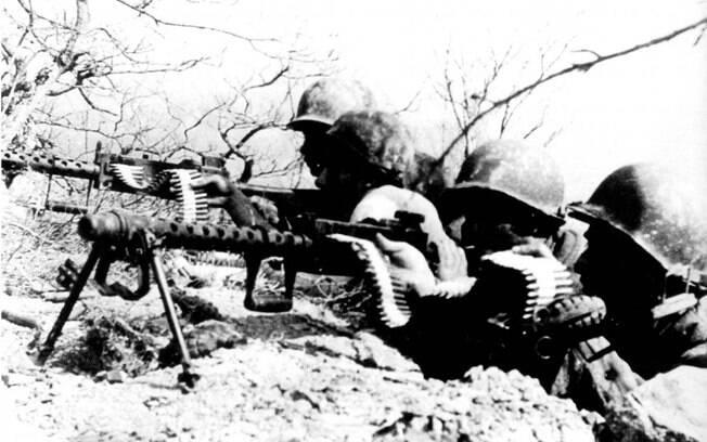 Homens do Exército Brasileiro durante a Batalha de Monte Castelo